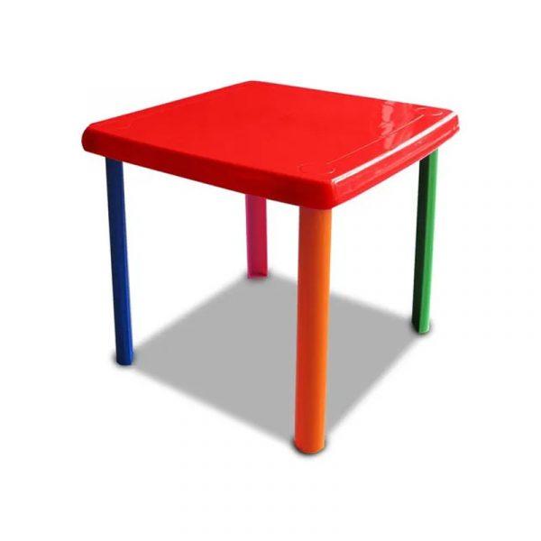 Pequeña mesa de plástico para el uso de los niños,
